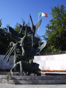 Het monument voor de Children of Lir in de Garden of Remembrance in Dublin