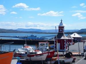 Uitzicht vanaf The Coffee Dock in het haventje van Knightstown