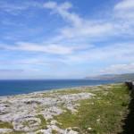 De helft van de route fiets je langs de prachtige blauwe zee!