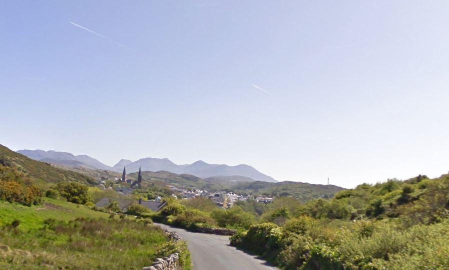Prachtig uitzicht over Clifden en de Twelve Pins!
