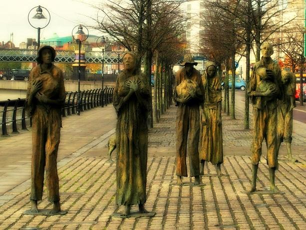 Monument voor de Great Famine - de hongersnood van 1845 - 1852