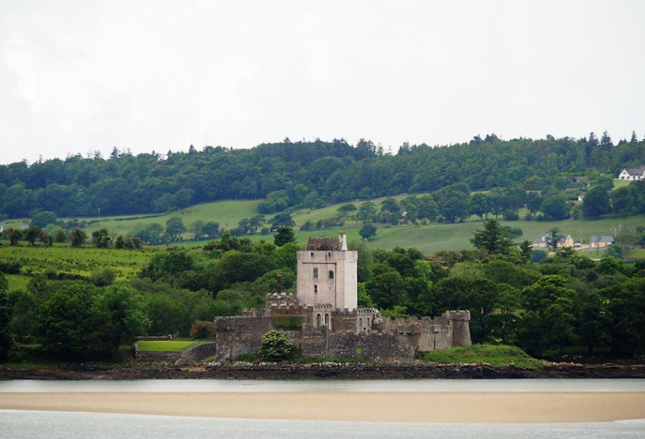 Doe Castle Donegal noordkust